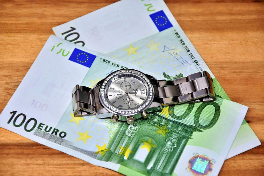 """Auch Steuerberater kennen die Maxime """"Zeit ist Geld"""". Quelle: pixabay"""