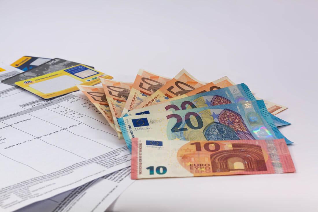 Geldscheine, Quittungen und Rechnungen. Bild: pixabay